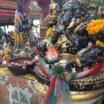 バンコク旅行のタイのお寺での禁止行為とは?礼儀やお参りの仕方を説明